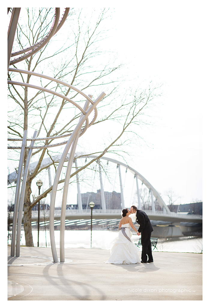 Nicole-Dixon-Photographic-Columbus-Ohio-Wedding-Photographer-13-Scioto-Mile
