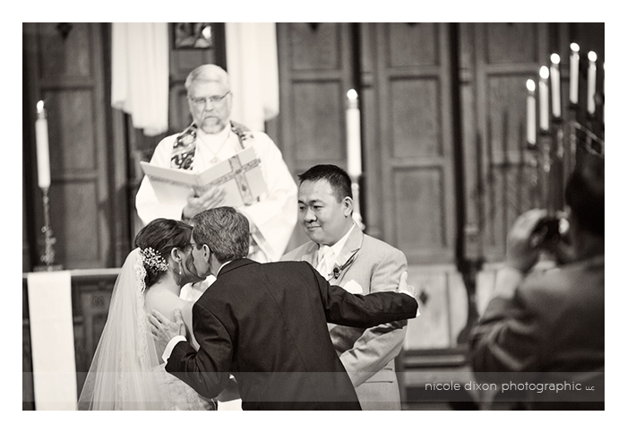 Lori-Frank-Wedding-12-Columbus-Ohio-Wedding-Photographer-Nicole-Dixon-Photographic